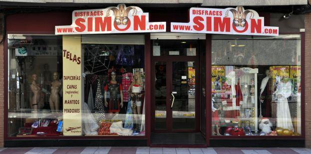Fachada de la tienda de Disfraces Simón